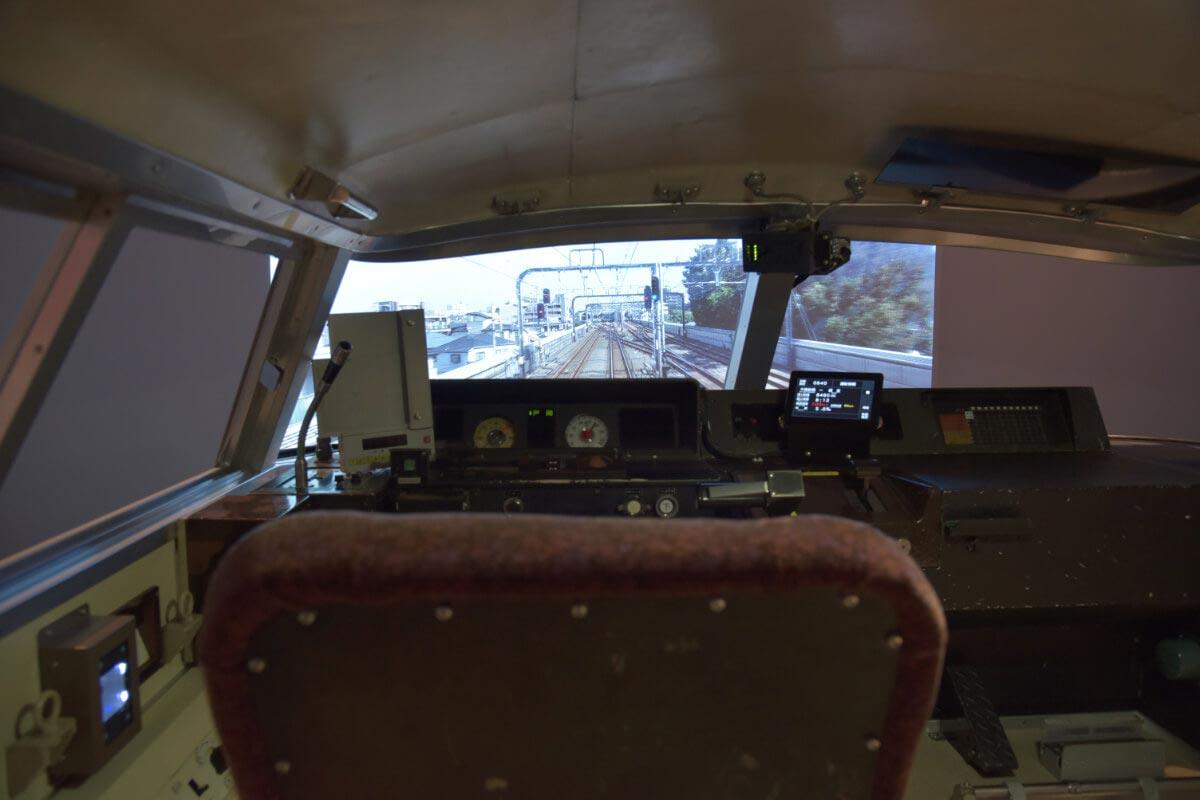 シミュレーターの操縦席